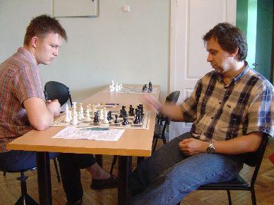 Картинки по запросу фото шахматисты анализируют партию